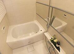 追焚機能、浴室換気乾燥機付。