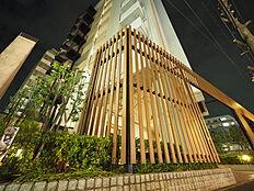 外観からも感じる他にはないココだけの暮らし。他の建物を圧倒するインパクトに魅かれます・・・。