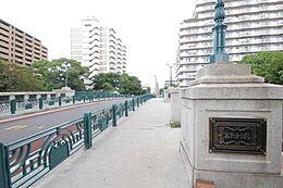 (前面道路)東京メトロ東西線「東陽町」駅徒歩11分。最上階19階の角部屋・ペット飼育可能。平成20年築のリノベーションマンション。