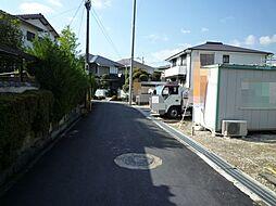 前面道路(右が...