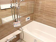 暖房換気乾燥機を完備し、雨の日のお洗濯も安心です。防カビ仕様ですのでお掃除も楽々です