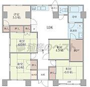 システムキッチンのためリビングにはデッドスペースがないため快適にお住まいいただけるかと思います。
