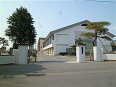 土浦市立土浦第四中学校(461m)