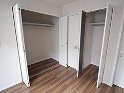 一階洋室収納