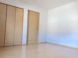 2階洋室大変綺麗にお使いです