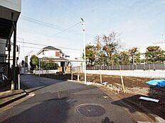 井の頭公園までは徒歩3分に位置しております。