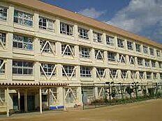 小学校神戸市立 北五葉小学校まで652m