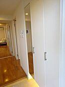 収納が大きいので玄関が広く使えます