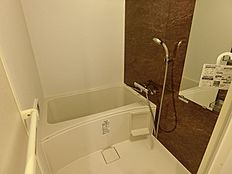浴室乾燥機や追い炊き機能のあるバスルーム