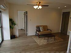 エアコン・家具付き リフォーム終え室内きれいになりました