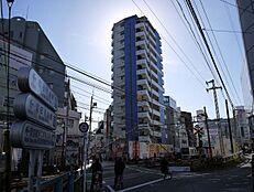 西の渋谷といわれる活気に満ちた町田駅周辺。衣食住あらゆるショッピングを心ゆくまで楽しめます。