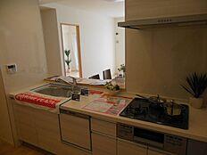 食洗機装備のシステムキッチン新規交換家事効率アップ間違いなしです
