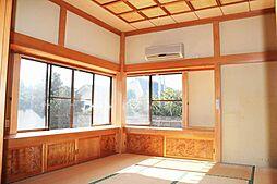 出窓付きの和室...