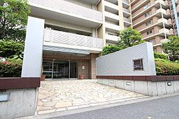ミオカステーロ篠崎。「篠崎」駅徒歩6分。利便性の高さが魅力的。