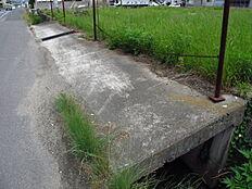 前面道路からの床版