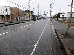 東側道路 1m