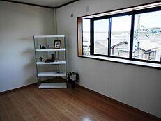 ひときわ明るい3階の居室