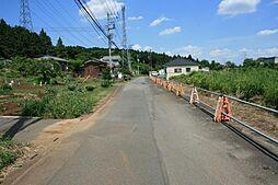 南側町道。幅員...