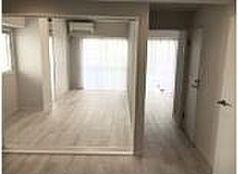 リビングから見た洋室です。当日のご内見可能・お電話にてお気軽にお問い合わせください。フリーダイヤル0120-102-588までご連絡お待ちしております。