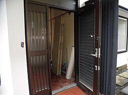 玄関ドアは鍵を...