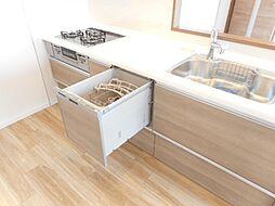 手洗いよりも衛生的な食器洗い乾燥機付き洗いも乾燥も全自動で時間の節約に