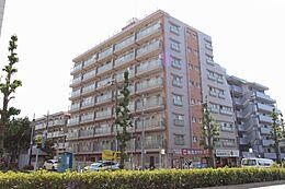 東武東上線「上板橋」駅徒歩10分、「東武練馬」駅徒歩15分。