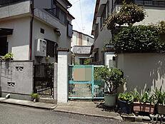 阪神武庫川駅徒歩10分。建築条件無しの土地です。