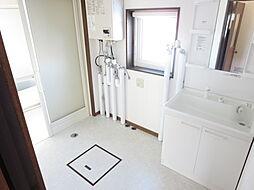 洗面脱衣室の床...
