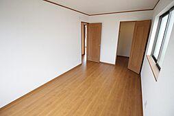 採光良好な洋室...