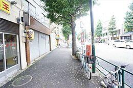 マンション前面歩道