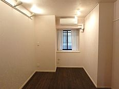 納戸4.2帖/書斎や子供部屋にもお使いいただける広さです