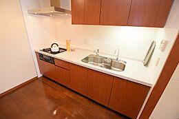 ディスポーザーや浄水器がついた機能的なキッチンです。
