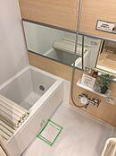 雨の日のお洗濯に大変役立つ浴室乾燥機付バスルームです。