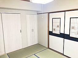 和室もそれぞれ窓があり、明るいです。