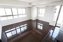 22階部分角部屋。名古屋市内を一望できるリビングです。