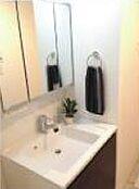 新規交換した独立洗面台です。フリーダイヤル0120-102-588までお問合せください。