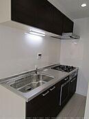 浄水器・食洗機機能のあるシステムキッチン