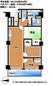 2SLDK、専有面積(壁芯)68.12平方メートル(約20.6坪)、バルコニー面積8.82平方メートル(約2.66坪)、各居室に収納スペースがあります。