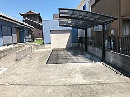 「駐車スペース」車庫があり3台駐車可能です。