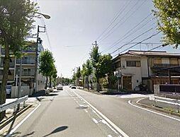 前面道路。広々しています。