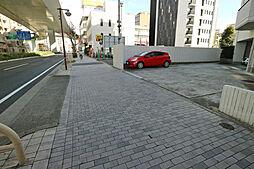 駐車場出入り口