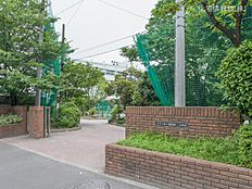 江戸川区立葛西第二中学校 距離720m