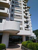 マンション外観:スパックス熱海伊豆山は築年平成2年7月となります。バス停「中七尾」からも徒歩一分。