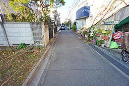 幅員約3.6mの道路に接道しています。