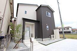 平成27年10月完成の未入居物件です。月々4万円台のお支払いで購入して頂けます。