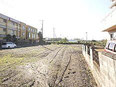 敷地は広々約766坪ございます。