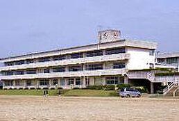 石岡市立国府中学校(1061m)