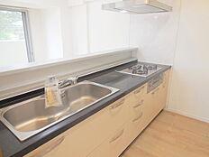 浄水器付き人工大理石カウンターシステムキッチン