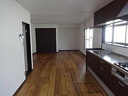 梅の里3丁目一戸建 4LDKの居間