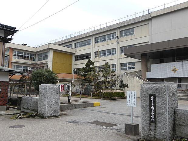 【中学校】高岡市立南星中学校まで1170m